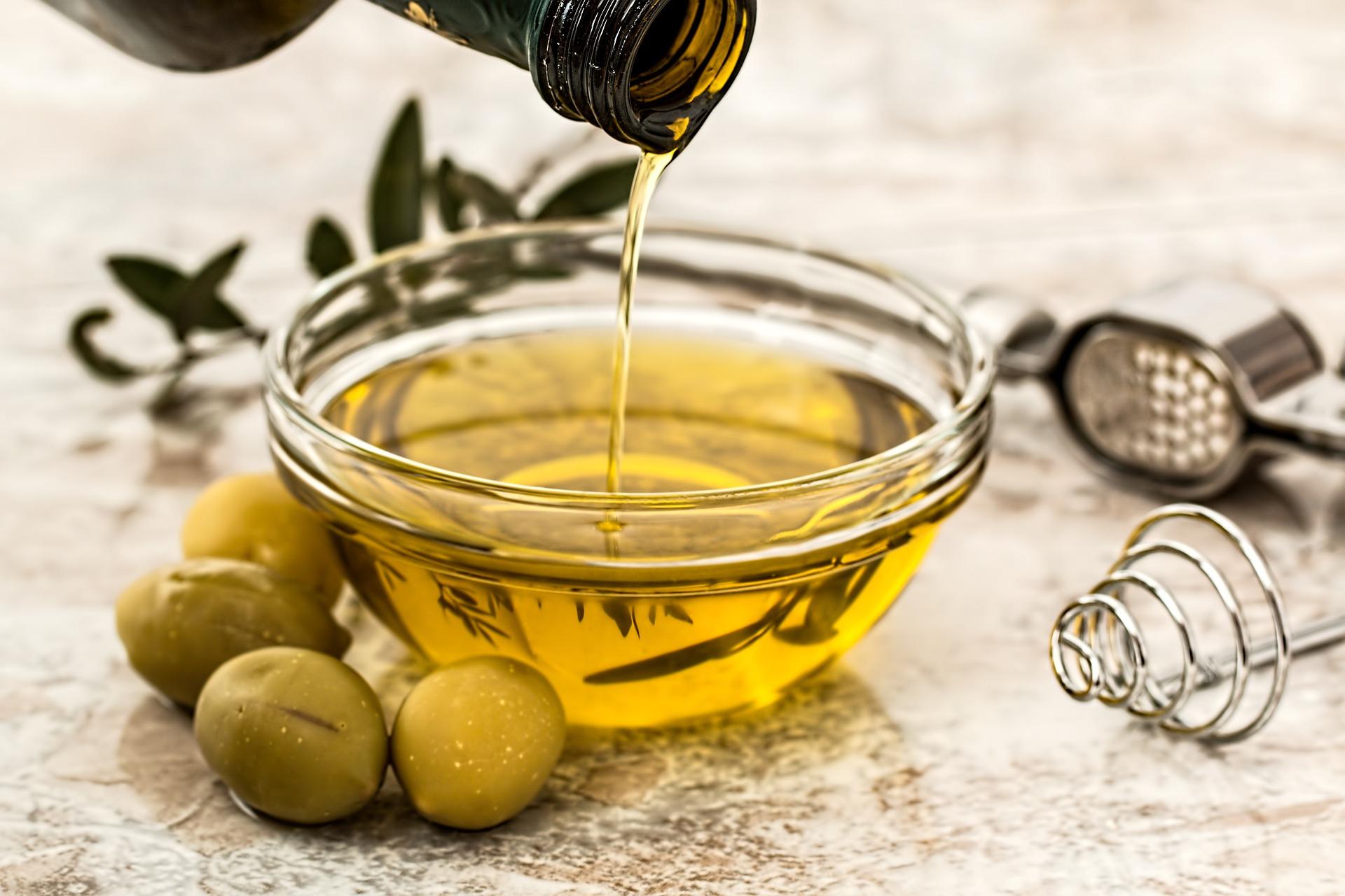 Oil vinegar zero waste salad dressing
